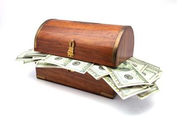 baúl con billetes