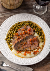 Roast Beef With Mashed Potatoes and Peas