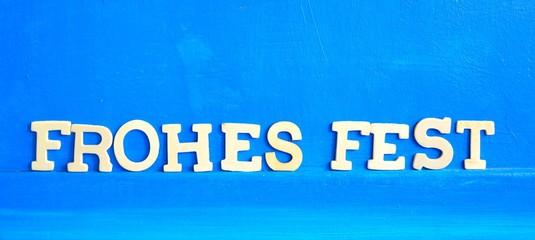Frohes Fest wünschen - Holzbuchstaben