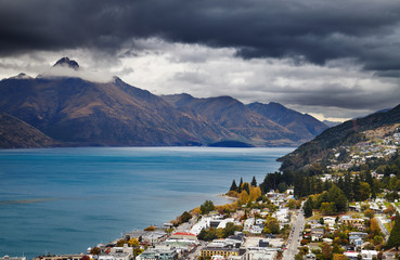 Queenstown cityscape and Wakatipu lake, New Zealand