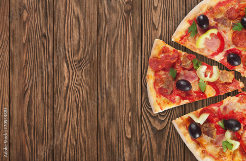 italian pizza Photo by aboikis