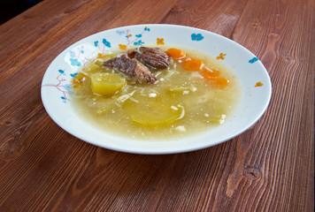 zuppa con carne di manzo