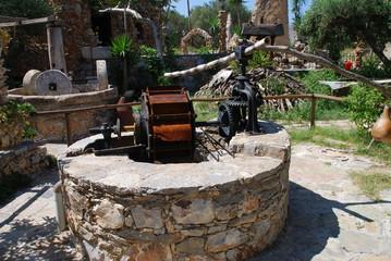 Kreta Koumos Olivenpresse Oliven Olivenöl Brunnen