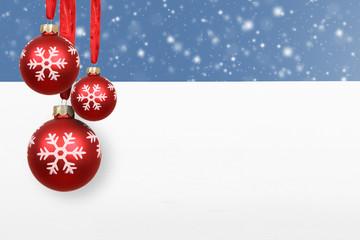 Weihnachtshintergrund / Kugeln /