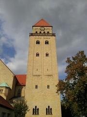 Ein Kirchturm in Osnabrück