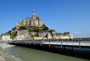 モンサンミッシェルと新橋 フランス