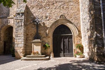Porte d'entrée église