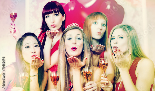 canvas print picture Mädchen in Club bei Party oder Junggesellinnenabschied