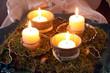 vierter advent moosdekoration