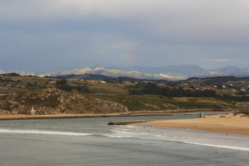 Vista de islote y acantilados, Suances. Cantabria