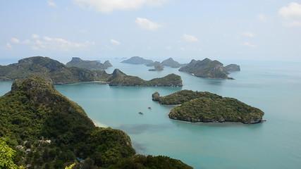 Bright green island in gulf of Thailand. HD