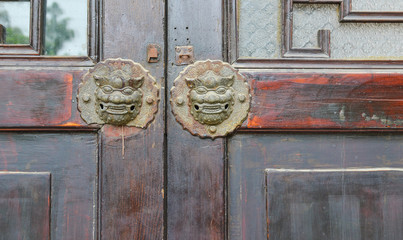 chinese old style lion door