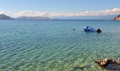 embarcation sur mer adriatique