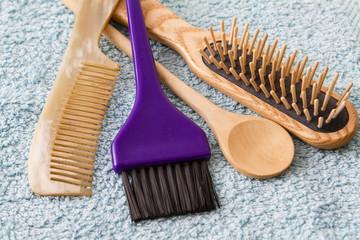 accessoires : brosse peigne cuiller en bois & pinceau coloration