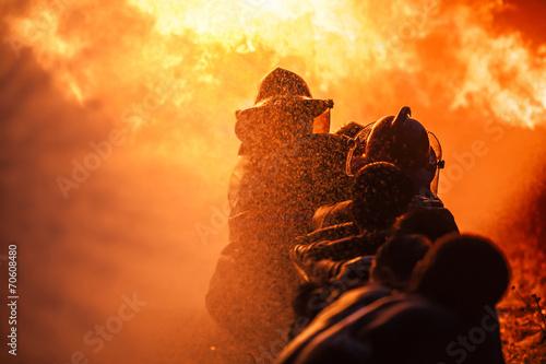 Leinwanddruck Bild Firefighters training