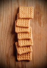 fragranti biscotti sul tavolo di legno