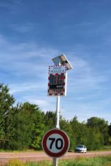 Radar pédagogique ralentir rouge