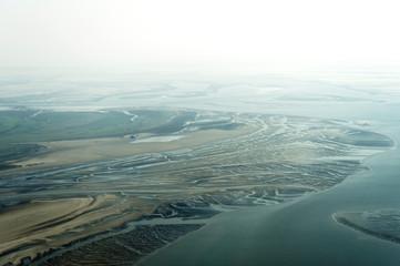 Luftbild vom Schleswig-Holsteinischen Wattenmeer bei St. Peter-O