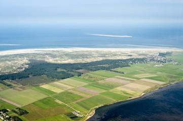 Luftbild vom Schleswig-Holsteinischen Wattenmeer bei Amrum