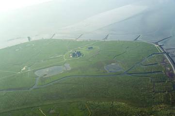 Luftbild vom Schleswig-Holsteinischen Wattenmeer bei Hallig Grö