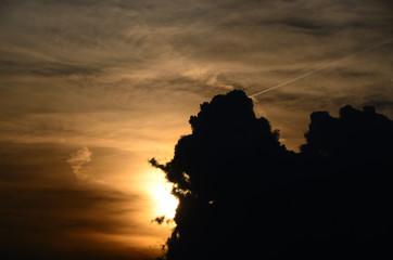 verschiedene wolken und sonne