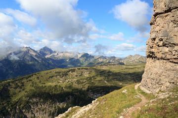 Wanderweg mit Bergpanorama der Allgäuer Alpen