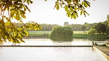 Hamburg City parkt, lake, planetarium dolly shot timelapse