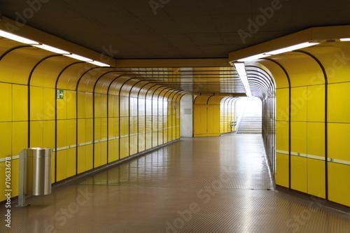 Leinwanddruck Bild U-Bahn Station Bonn