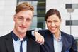 canvas print picture - Portrait von zwei lächelnden Geschäftsleuten
