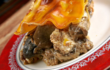 Lasagna with mushrooms and beef