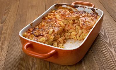 Elbow macaroni bake with zucchini