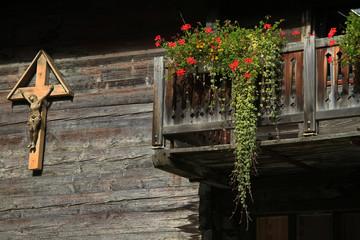 Holzfassade in Zermatt, Schweiz
