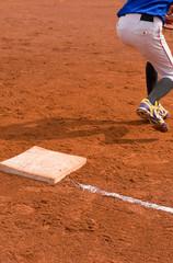Base man in a baseball game