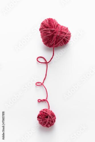Heart shaped woolen yarn - 70657818