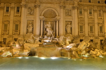 Night view over fontana di trevi in rome