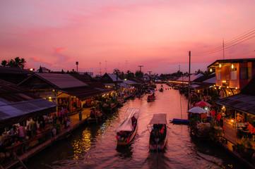 floating market.Amphawa