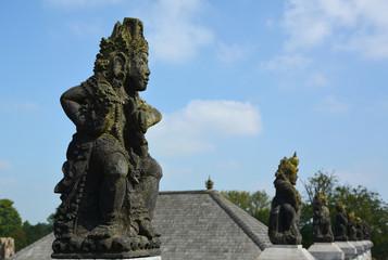 The oriental statuette-1