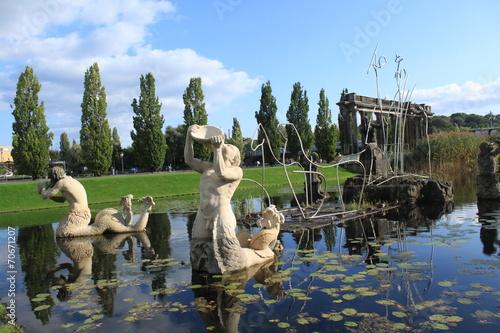 Leinwanddruck Bild Neptunbassin im Potsdamer Lustgarten
