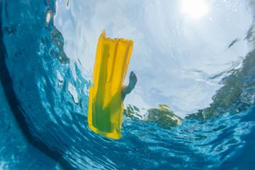 Pool Underwater Girl Li lo Surface