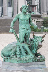 standbeeld olijfboom Kruidtuin Brussel