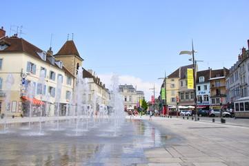 Lons-Le-Saunier (place de la liberté)