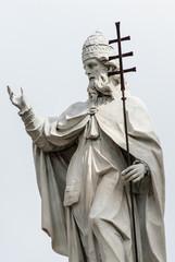 Statua di San Silvestro, scultura in marmo