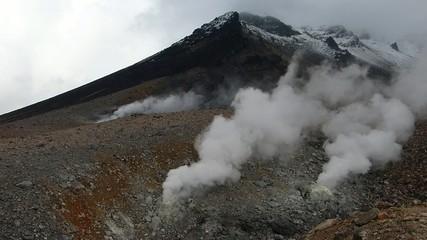 初冠雪の大雪山系旭岳_7