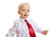 Kind mit Krawatte hält Daumen hoch