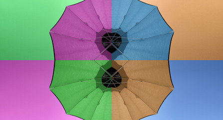 Sfondo ombrelloni colorati