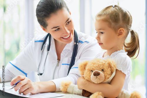 Leinwandbild Motiv pediatrician