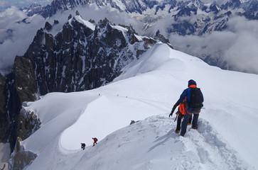 Alpinistes à l'Aiguille du Midi - Massif du Mont Blanc