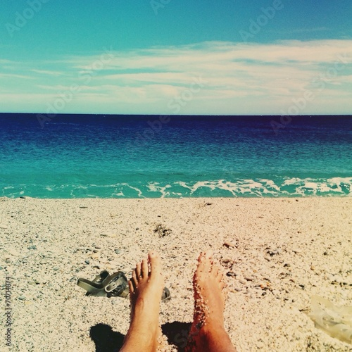 canvas print picture feetfie on the beach