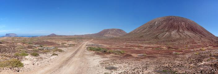 La Graciosa - Sandpiste vorbei an der Montana del Mojon