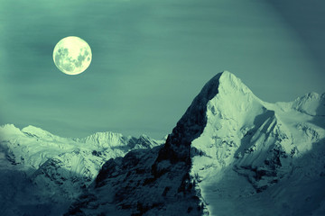 Vollmond am Eiger